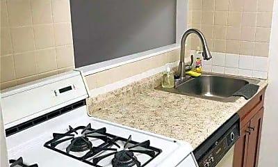 Kitchen, 41-40 Union St 6V, 2