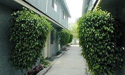 Burbank Village Apartments, 1