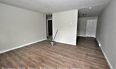 Living Room, 1607 Charter Dr, 1