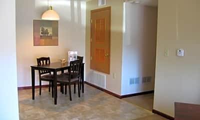The Arbors Apartments, 2