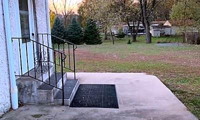 Patio / Deck, 605 E Howard St, 2