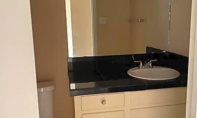 Bathroom, 2819 Maxwell Dr, 2