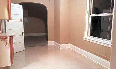 Bedroom, 517 E 4th St, 1