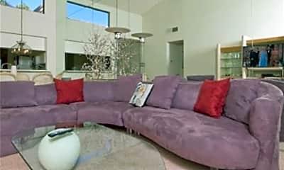 Living Room, 38613 Wisteria Dr, 2