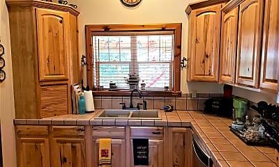Kitchen, 1582 Lake Forest Cir, 2
