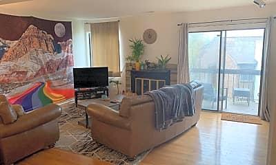 Living Room, 1605 Linden Way, 1
