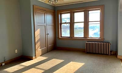 Bedroom, 5302 W Burnham St, 1