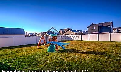 Playground, 6685 N Idlewood, 2