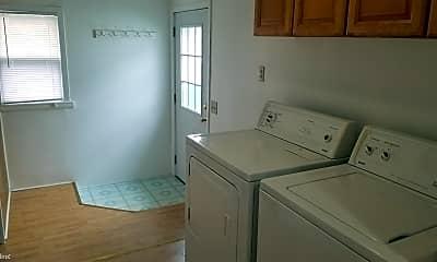 Kitchen, 936 Knox St, 2