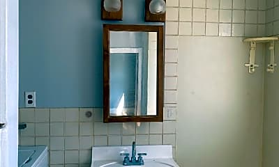 Bathroom, 219 Salem St, 1