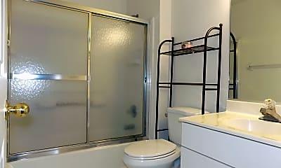 Bathroom, 205 Amersham Dr, 2