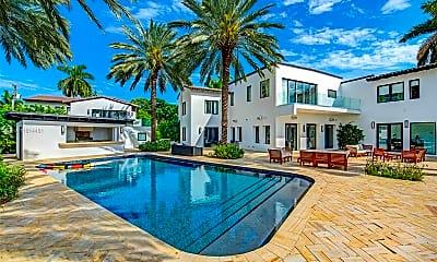 Pool, 2700 N Bay Rd, 1