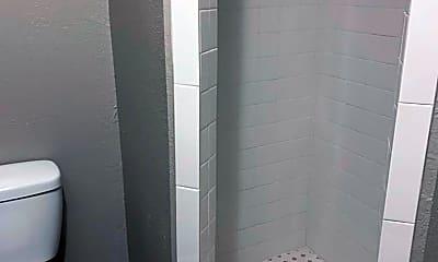 Bathroom, 2627 W Wadley Ave, 2