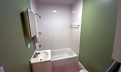 Bathroom, 143 Putnam St, 2