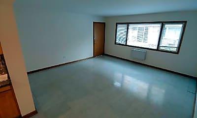 Bedroom, 5450 W Higgins Ave, 1