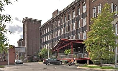 Building, 1350 Rosa L Parks Blvd, 1