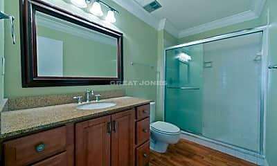 Bathroom, 1731 Golf Club Dr, 2