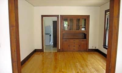 Living Room, 307 S Baldwin St, 1