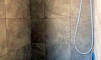 Bathroom, 1626 Roosevelt Ave C, 2