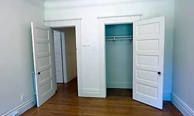 Bedroom, 2128 Larkin St, 2