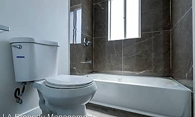 Bathroom, 941 S Kenmore Ave, 2