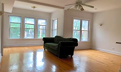 Living Room, 3414 N Bosworth Ave, 0