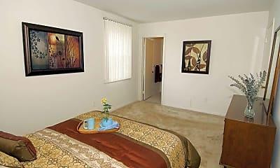 Bedroom, Queens Ridge Apartments, 2