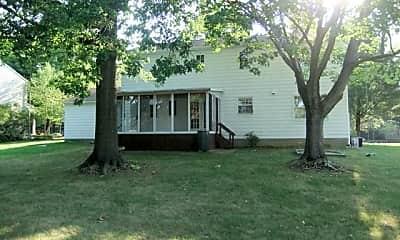 Building, 620 Beaverbrook Dr, 2