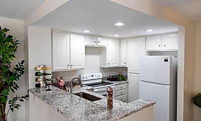 Kitchen, Ridgeline Apartments, 1