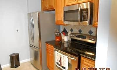 Kitchen, 720 S Sapodilla Ave, 1