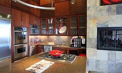 Kitchen, 6500 Champion Grandview Way, 1