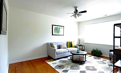 Living Room, Holland Apartments On The James, 1
