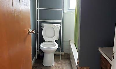 Bathroom, 135 Spencer St, 1