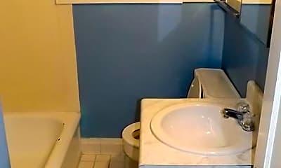 Bathroom, 3015 1/2 Cardinal Dr, 2