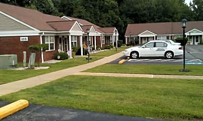 Sprucewoods Commons, 2