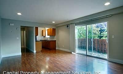 Living Room, 1625 SE Bidwell St, 1