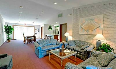 Living Room, Carriage Hill Condos and Apartments, 2