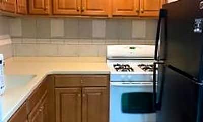 Kitchen, 1604 Park Ave 2, 1