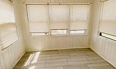 Bedroom, 3901 Iowa Ave, 2