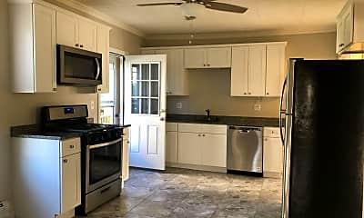 Kitchen, 84 Bridge St, 1