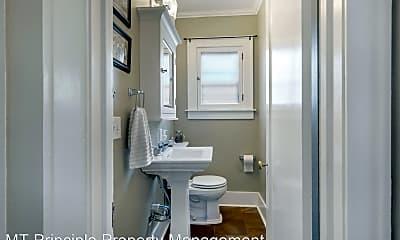 Bathroom, 1260 W Platinum St, 2