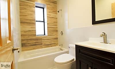 Bathroom, 59 Nagle Ave, 2