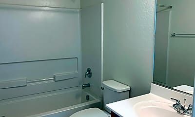 Bathroom, 175 E Bluejay Dr, 1