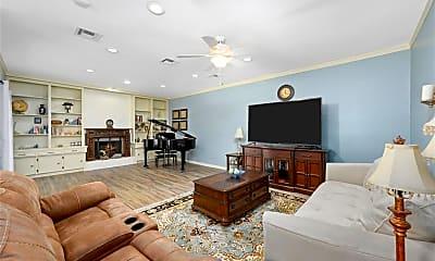 Living Room, 425 E Fair Harbor Ln, 1