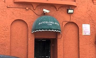 Barcelona Apartments, 1