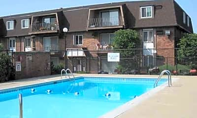 Pool, Woodland Courts, 2