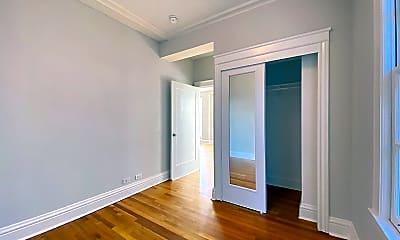 Bedroom, 990 Bay St, 2