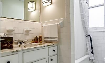 Bathroom, 709 S 3rd St, 1