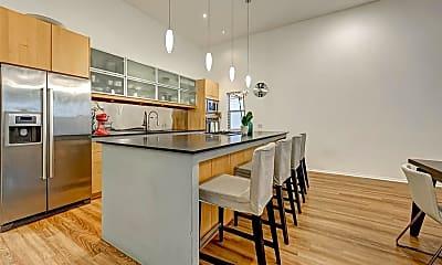 Living Room, 5426 McCulloch Cir, 1
