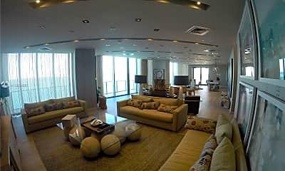 Living Room, 2900 NE 7th Ave UPH-4602, 2